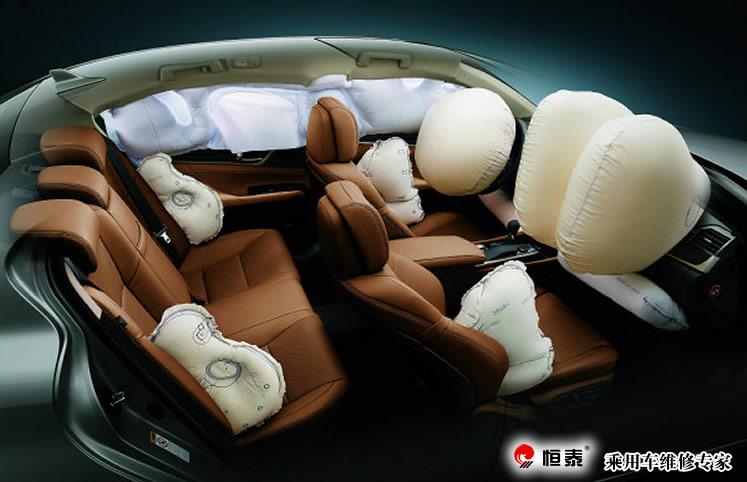 法规强制国家:美国   中国:前排座椅的侧气囊在许多车型上都会装配图片